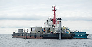 Image of the tug boat conducting a test at sea