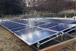 水没実験に用いた太陽光発電設備を表した写真1