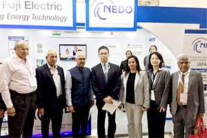Secretary of Ministry of Power Ajay Kumar Bhalla (second from the left), as well as President of the India Smart Grid Forum Reji Kumar Pillai (third from the left), visiting the NEDO's booth