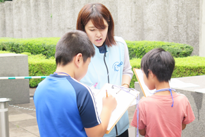Photo of child reporters conducting interview